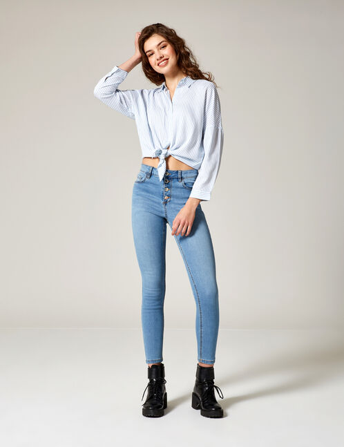 Light blue high-waisted buttoned jeans