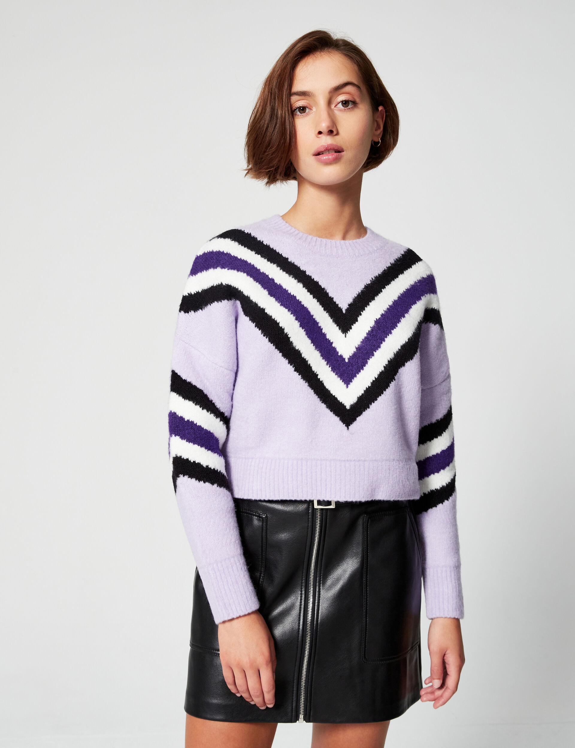 Structured jumper with motifs