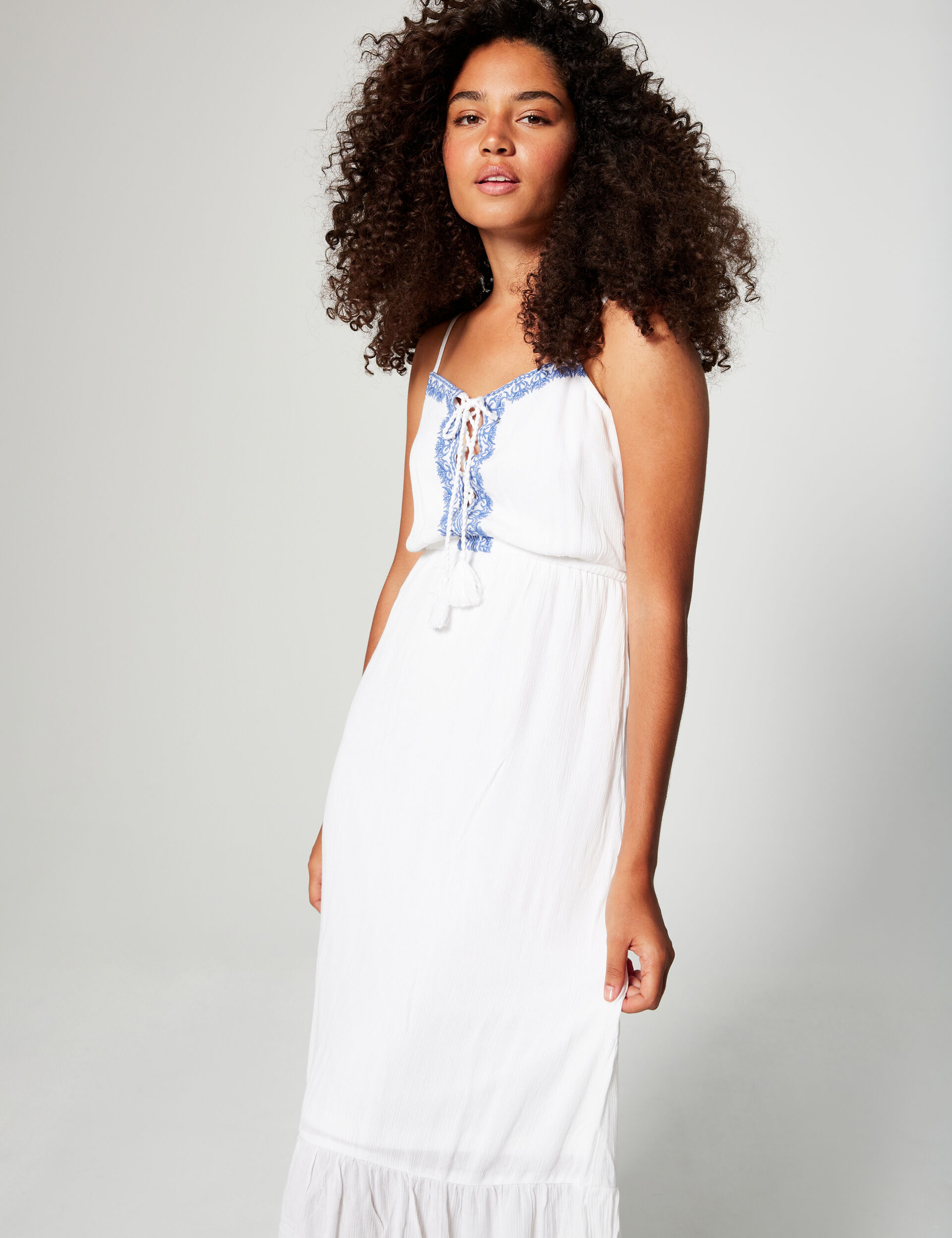 Maxi dress with embroidery