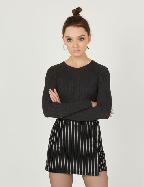 Black and white miniskirt with belt detail