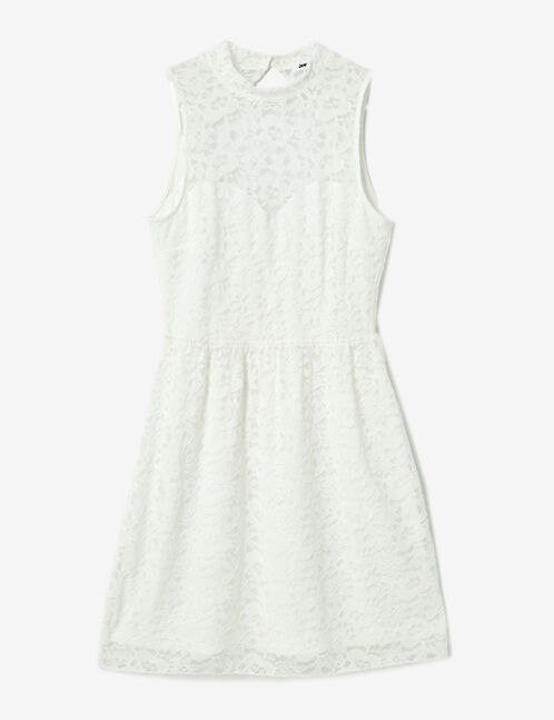 robe en dentelle blanche
