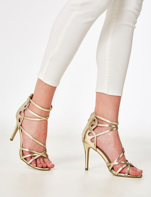 sandales avec liens dorées