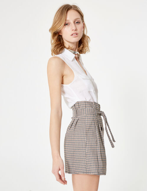 chemisette sans manches blanche