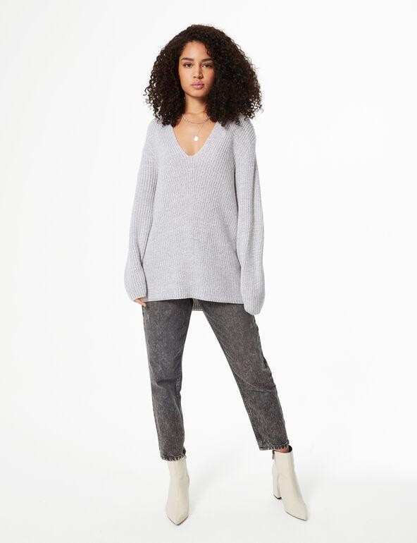 Long V-neck jumper