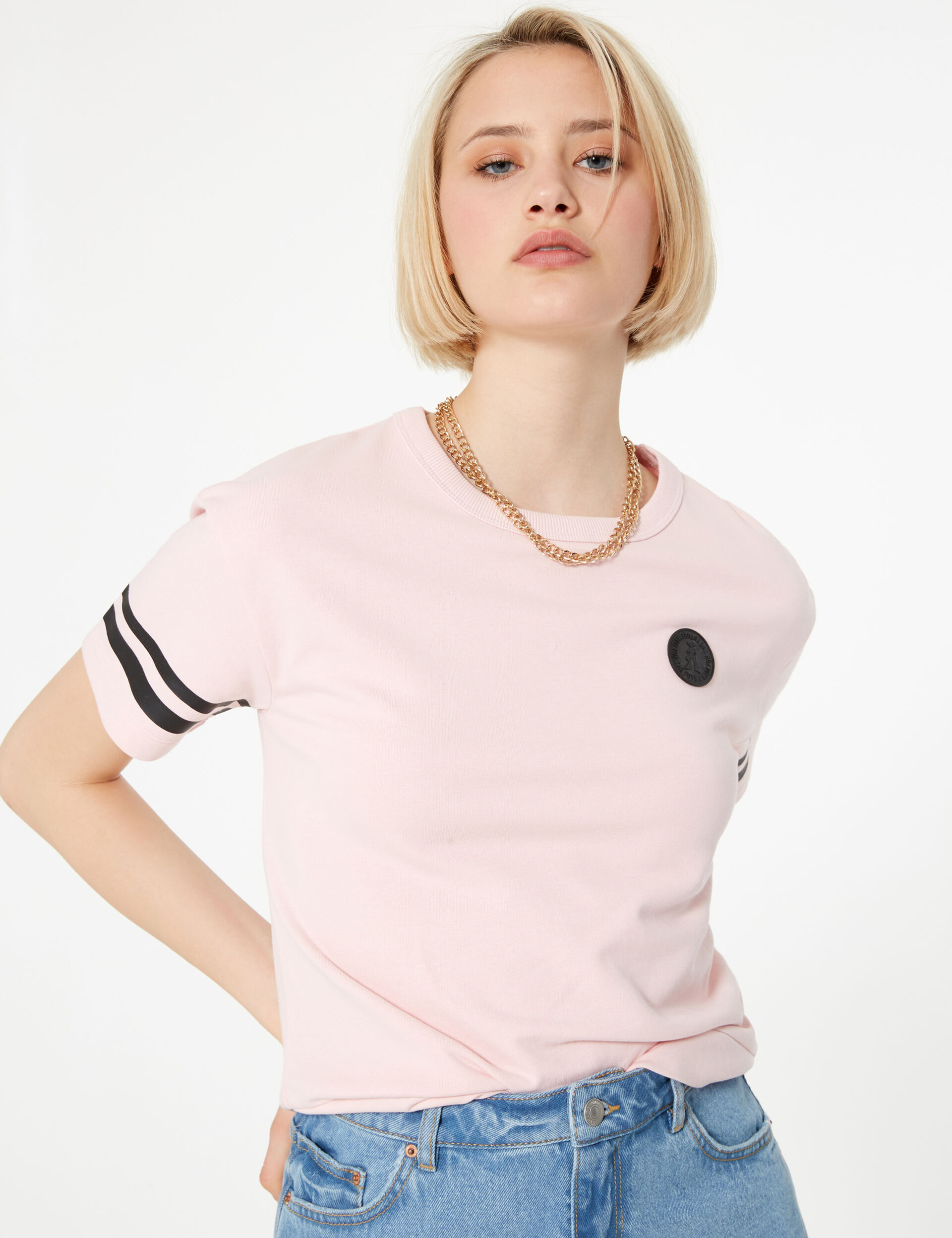 Light pink short-sleeved sweatshirt