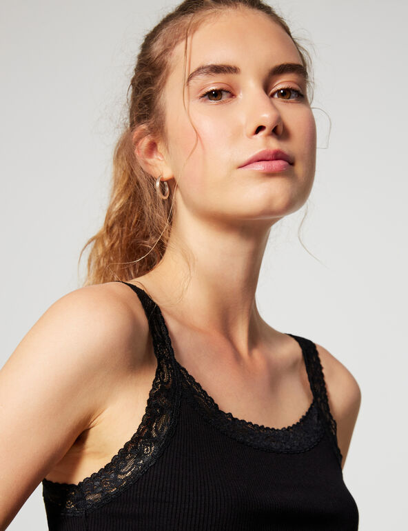 Ribbed tank top with lace
