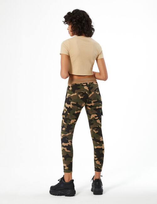 Jogging battle camouflage