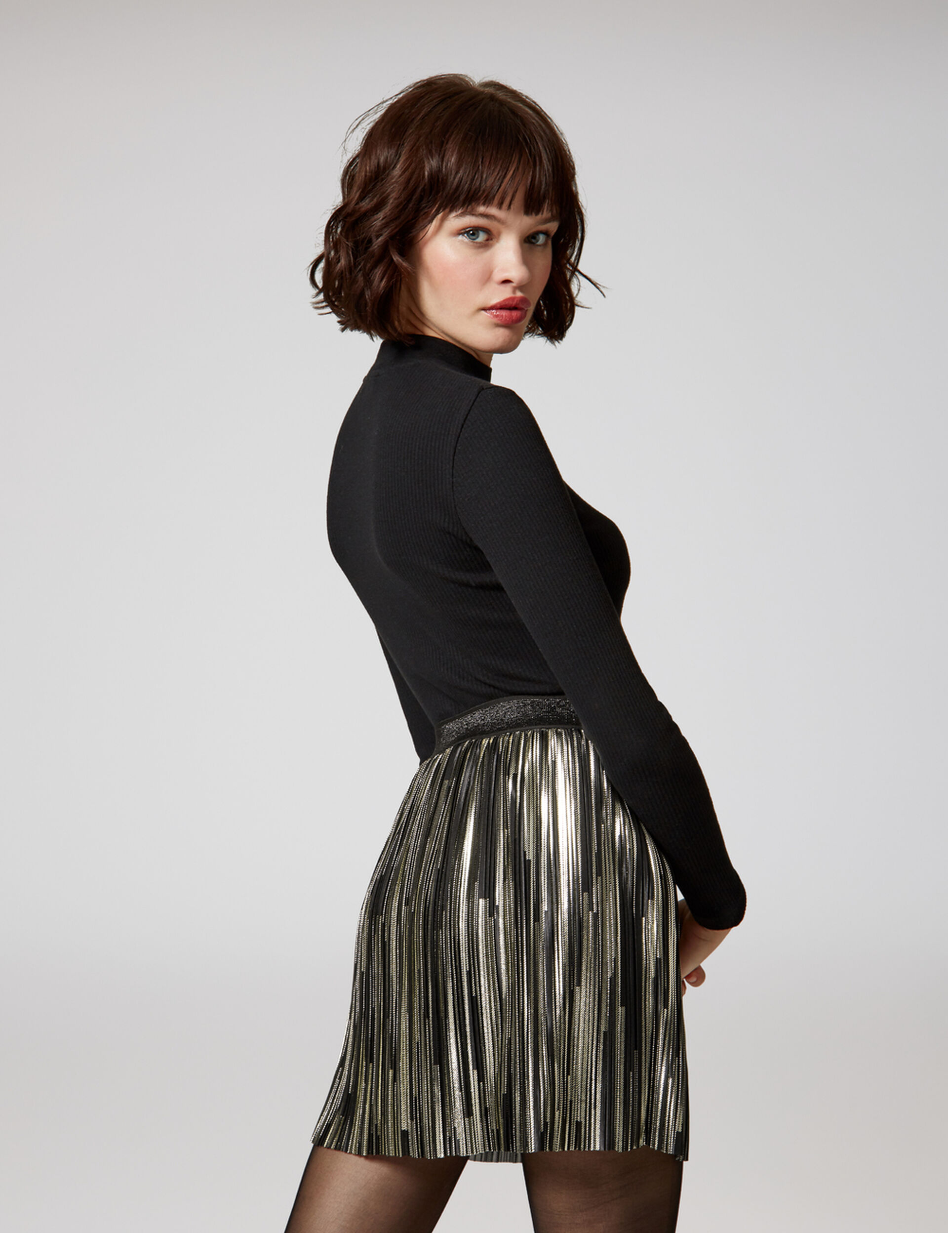 jupe plissée noire et argentée
