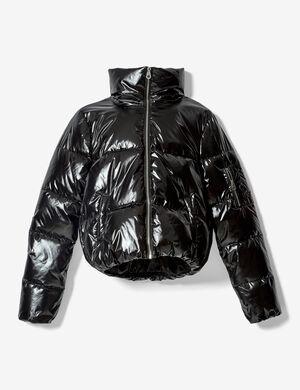 Product Doudoune femme, noir, 1 poche zippée sur la manches, 2 poches devant, fermeture zippée, col montant, manches longues.  Photos retouchéesMarque Jennyfer Catégorie vestes + manteaux