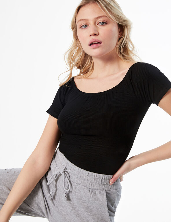 Short-sleeved ribbed top
