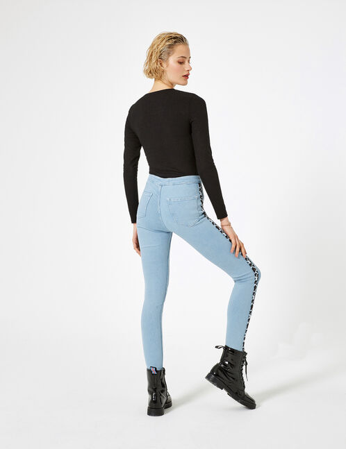 Light blue jeggings with leopard print trim detail