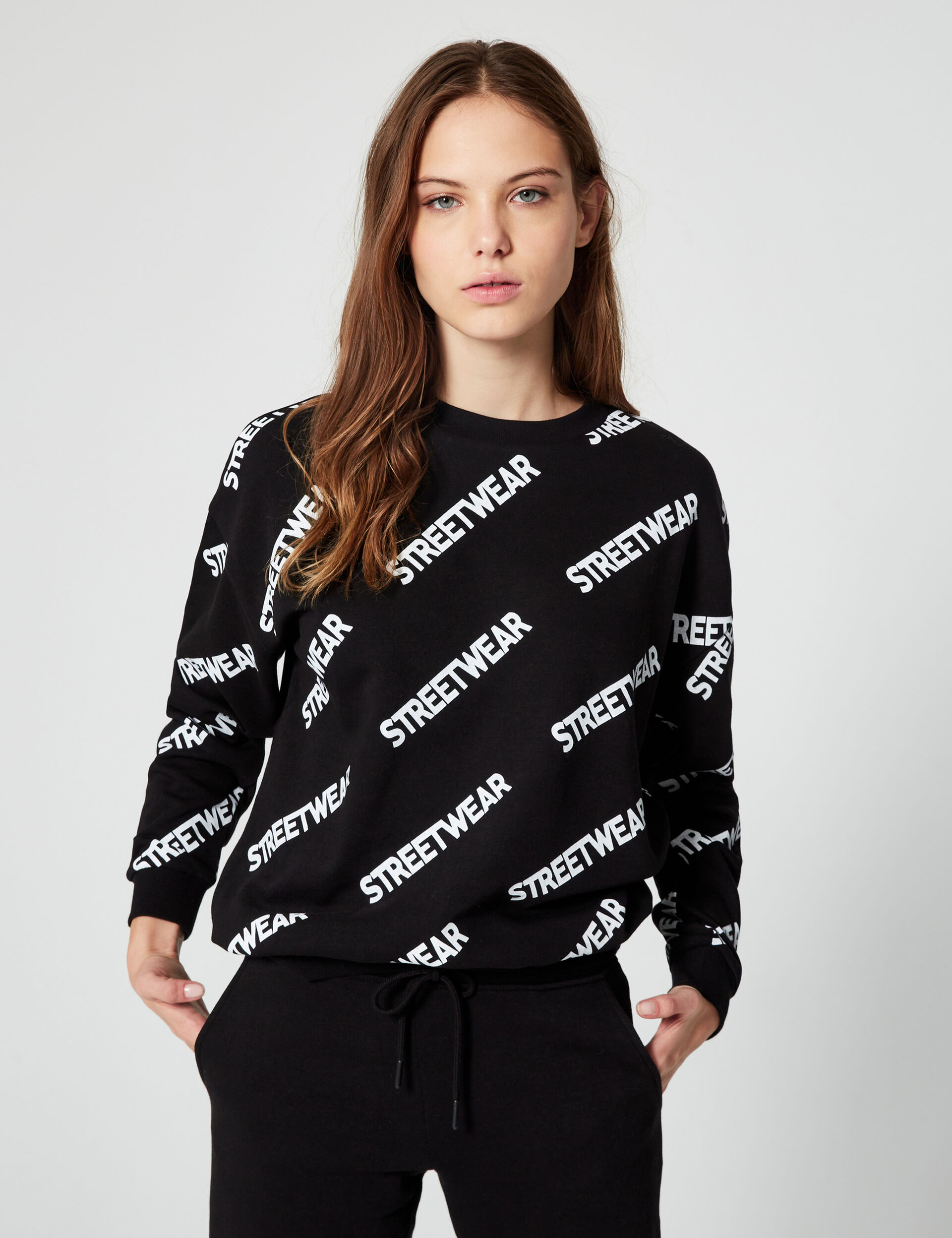 Basic streetwear sweatshirt