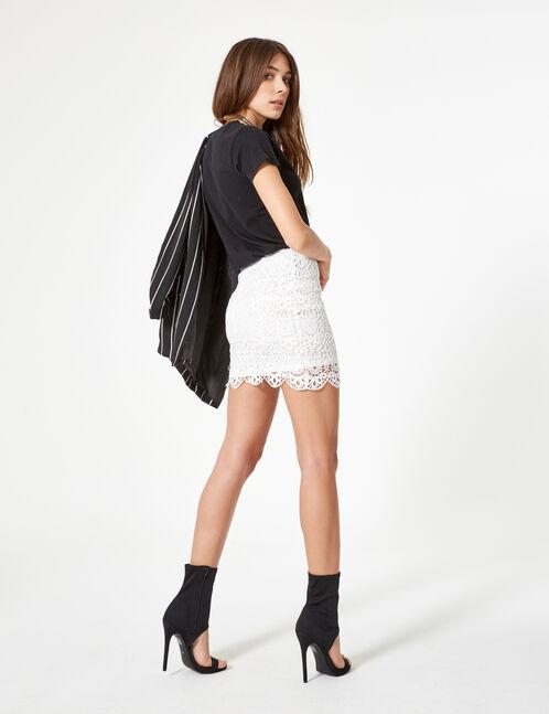 jupe courte en dentelle blanche