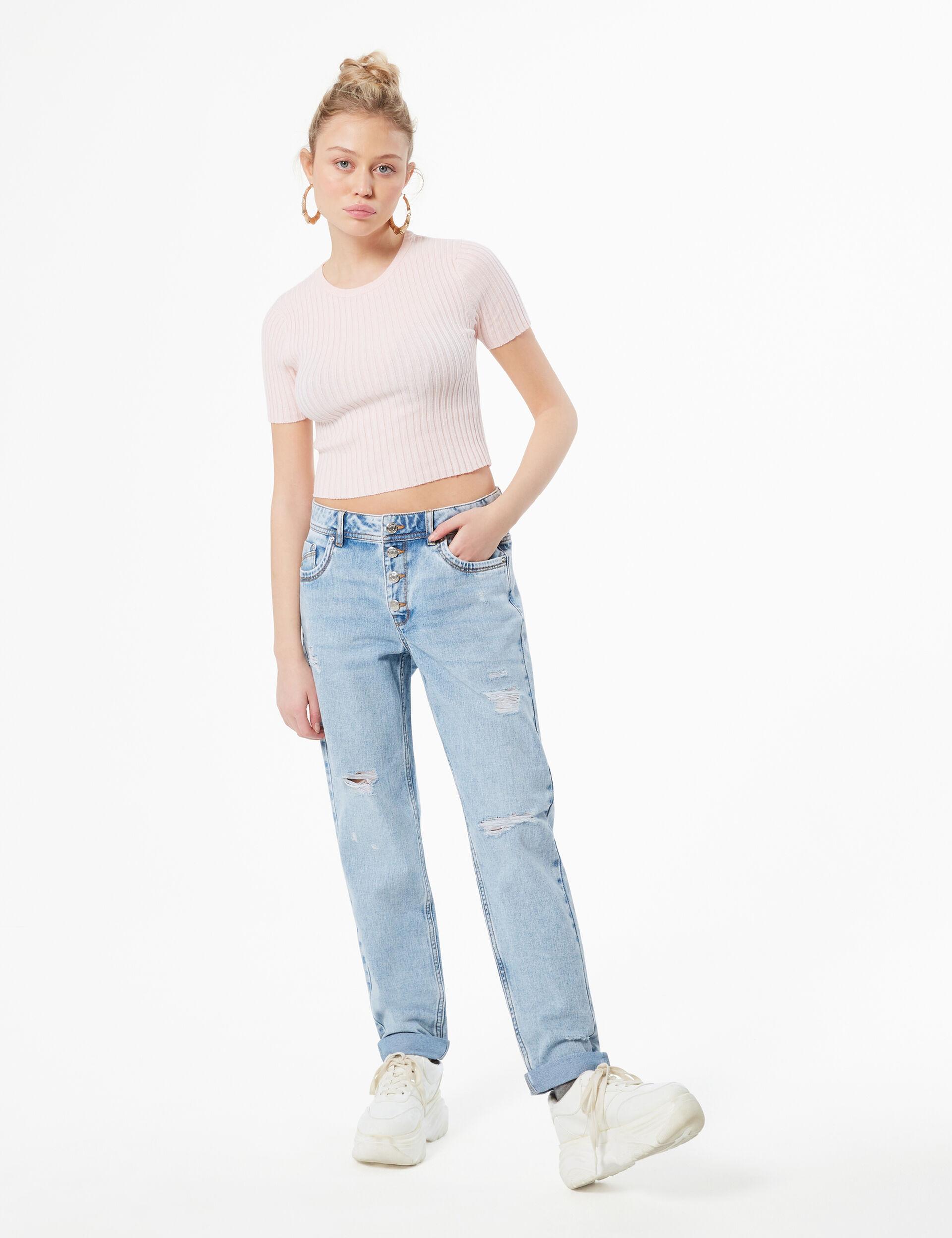 Distressed boyfriend jeans
