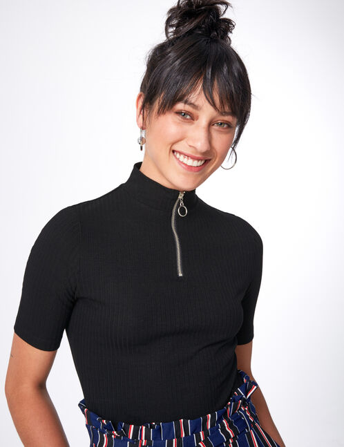 Black zipped T-shirt