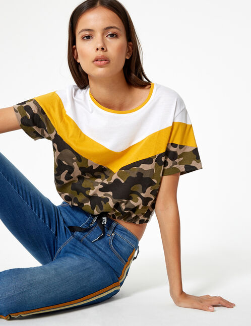 Khaki camouflage, ochre and white T-shirt with chevron detail