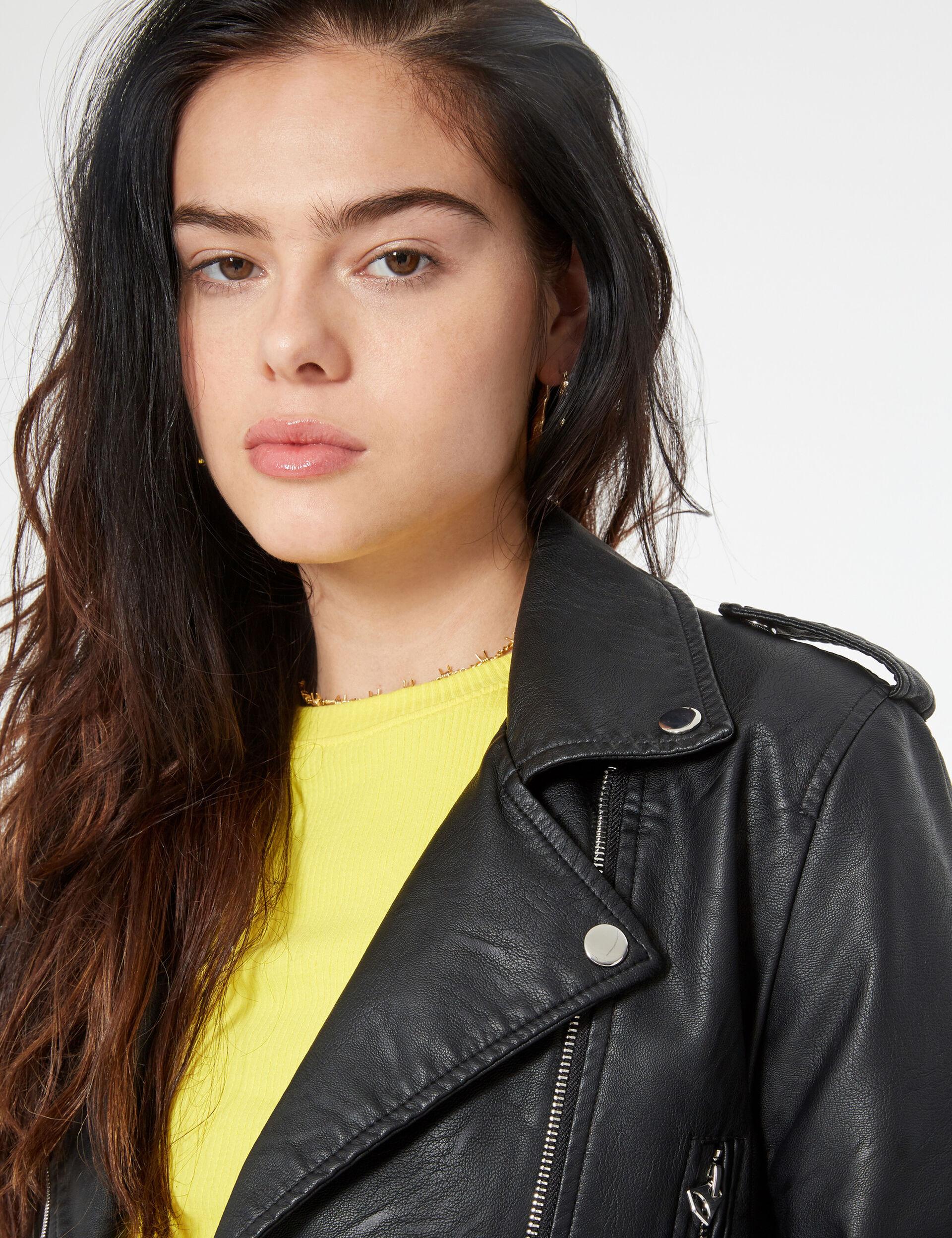 Biker jacket with belt
