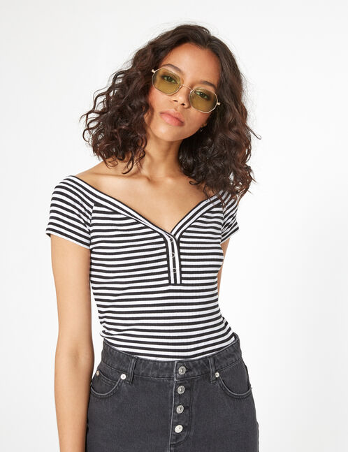 striped T-shirt with press-studs