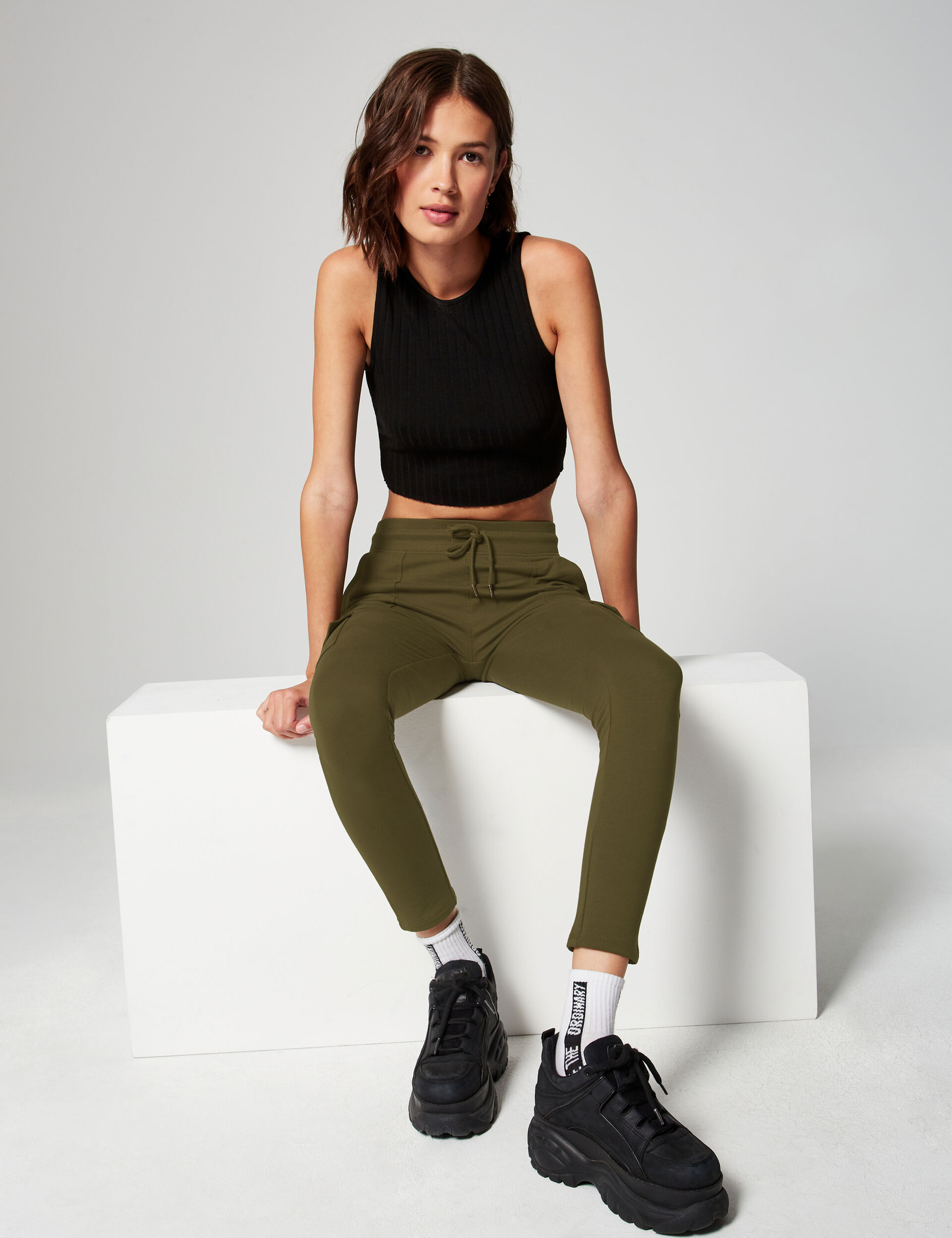 Skinny joggers with pockets