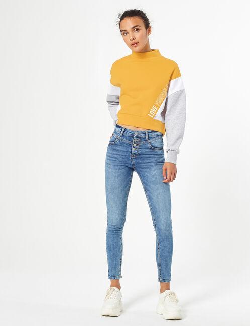 jean avec découpes