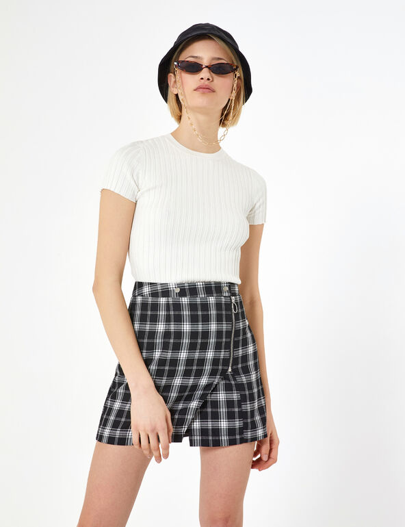 White and black checked zipped skirt