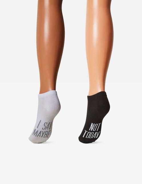 chaussettes à messages grises, noires et blanches