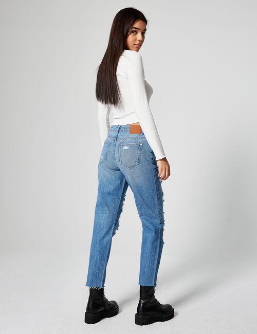 Low-rise boyfriend jeans