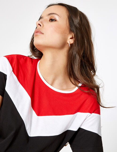 Black, red and white T-shirt with chevron detail