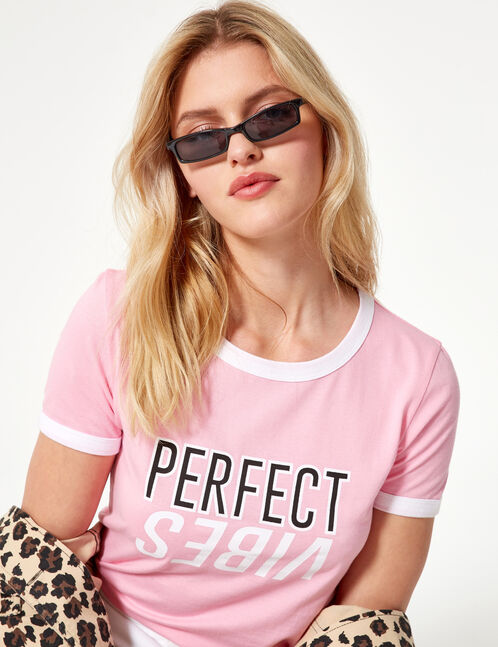 "Pink ""perfect vibes"" T-shirt"