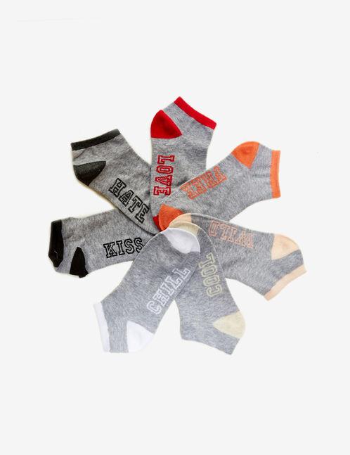 chaussettes à message grises, rose, noires et blanches