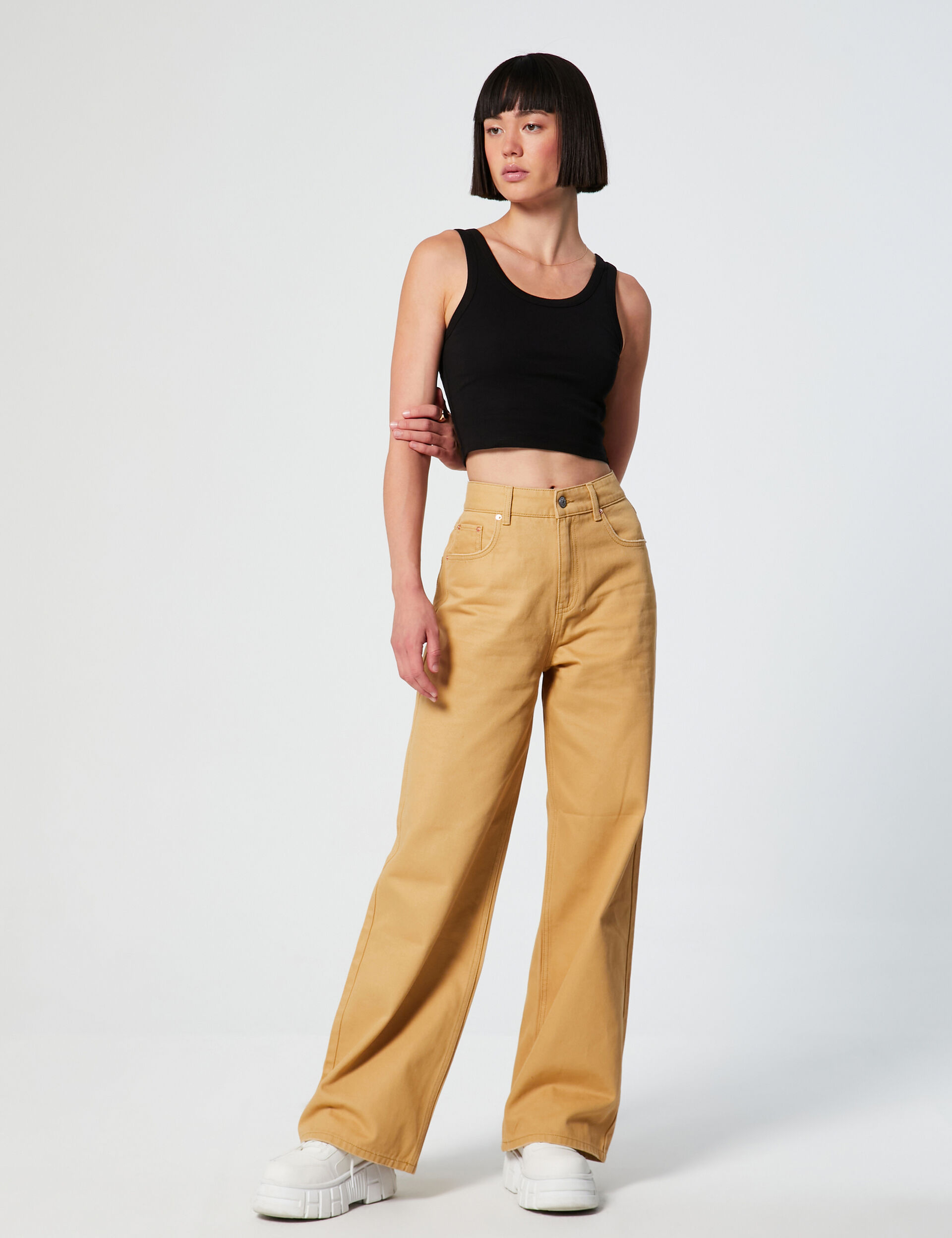 High-waisted dad jeans