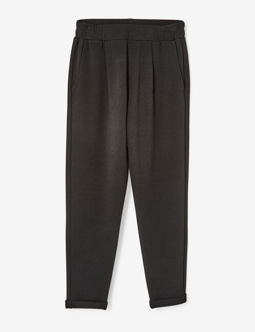 Black crêpe joggers with darts